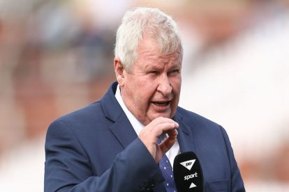 Former NZ Cricketer Ian Smith Honoured for Outstanding Services to the Game